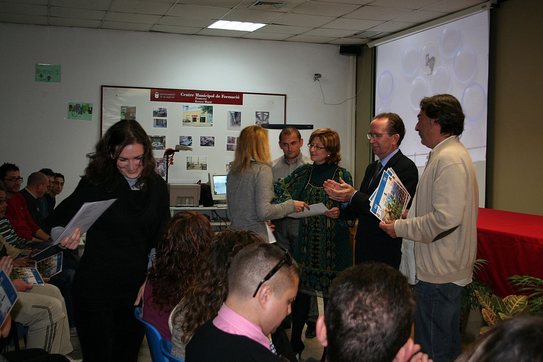 Ajuntament d 39 alaqu s prensa elvira garc a exige los cursos de formaci n para el empleo - Trabajo en alaquas ...