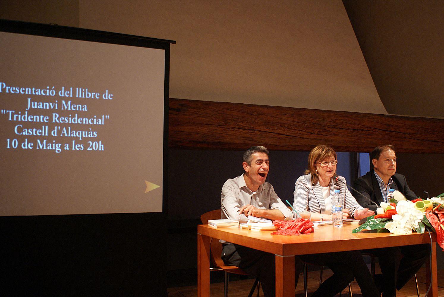 Ajuntament d 39 alaqu s prensa el escritor juanvi mena presenta en alaqu s - Trabajo en alaquas ...