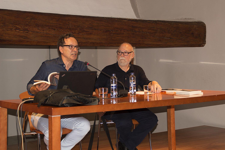 Ajuntament d 39 alaqu s prensa el autor alaquaser fernando garrido redondo presenta en el castell - Trabajo en alaquas ...