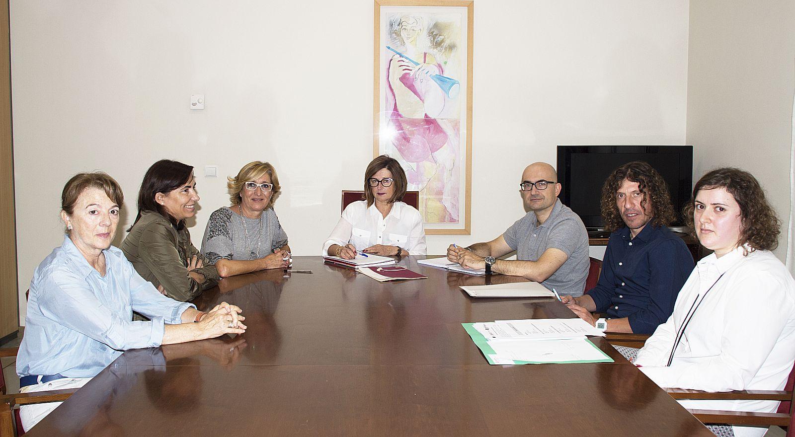 Ajuntament d 39 alaqu s prensa alaqu s formar a los j venes de entre 16 y 29 a os para facilitar - Trabajo en alaquas ...