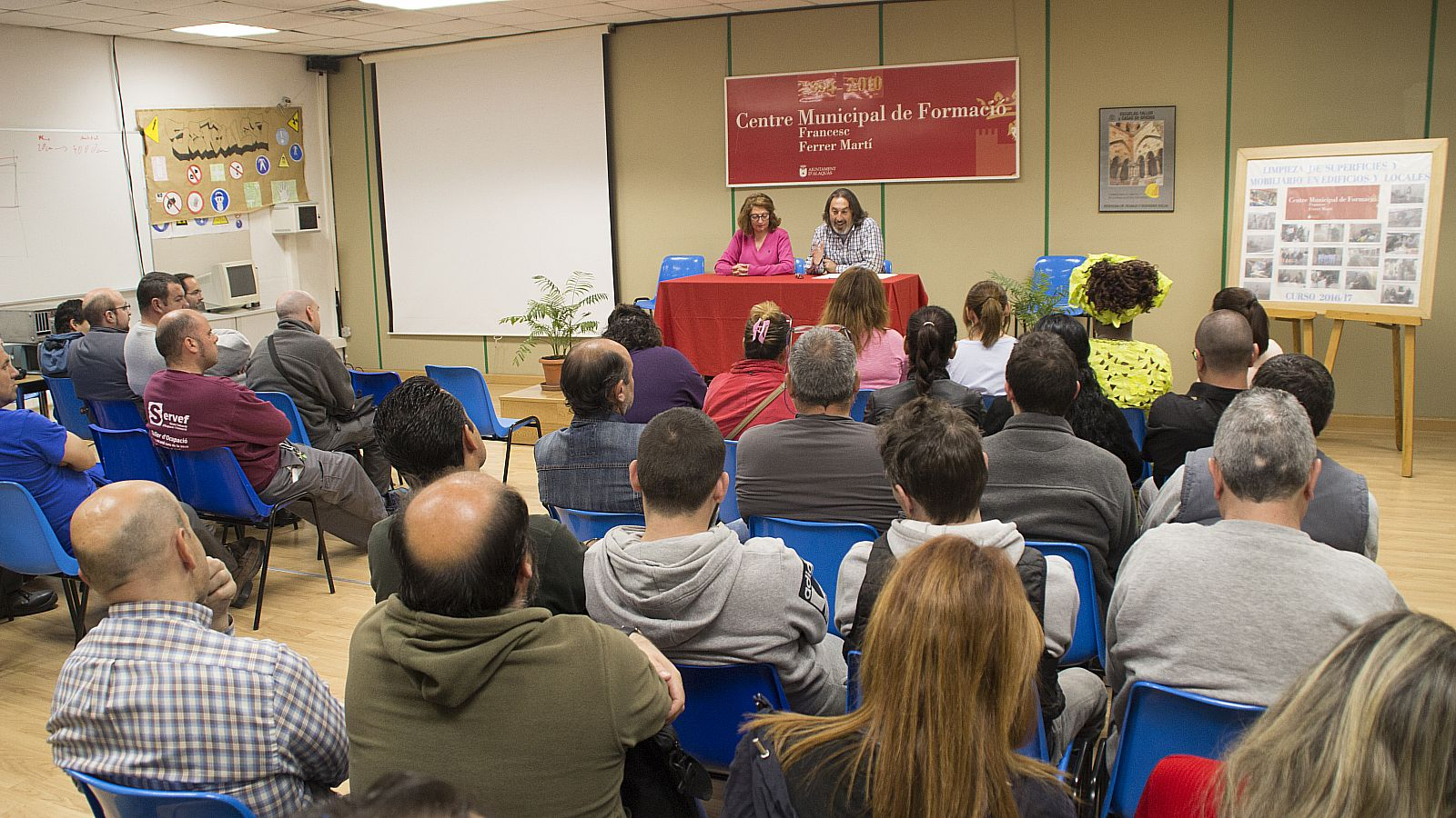 Ajuntament d 39 alaqu s prensa alaqu s clausura el curso de - Trabajo en alaquas ...
